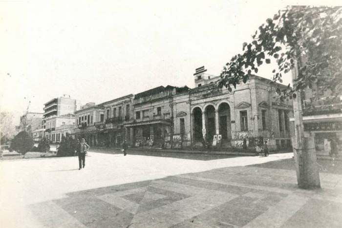 Η κεντρική πλατεία τη δεκαετία του 1970  http://www.eleftheriaonline.gr/polymesa/fotografies/item/34752-old-kalamata-photos