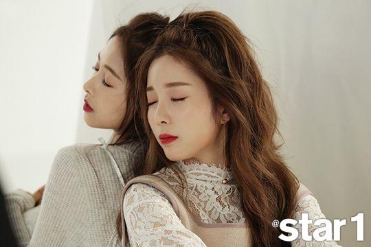 Chaewon & Chaekyung