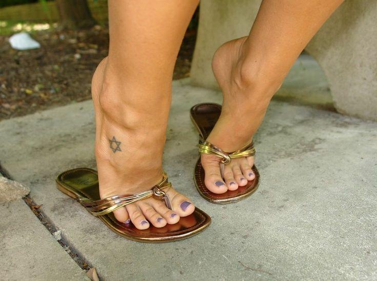 Sexy feet in flip flops photos 75