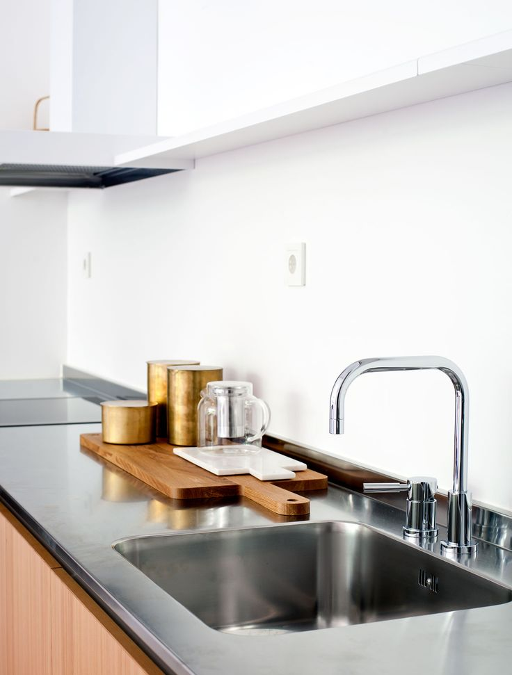 Oscar properties - Bryggeriet - Industriverket #oscarproperties  kitchen, design, interior, design, brass, water tap, sink