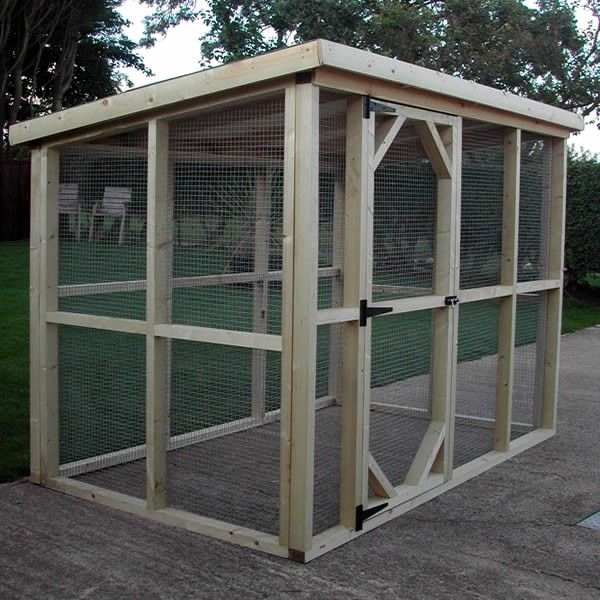 Walk in rabbit run by ryedale pet homes north yorkshire for Chicken enclosure ideas