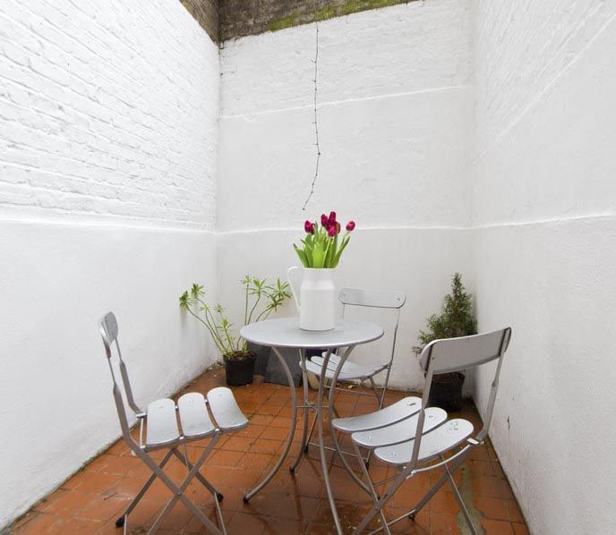 Courtyard basement flat London SW10 Cutler and Bond