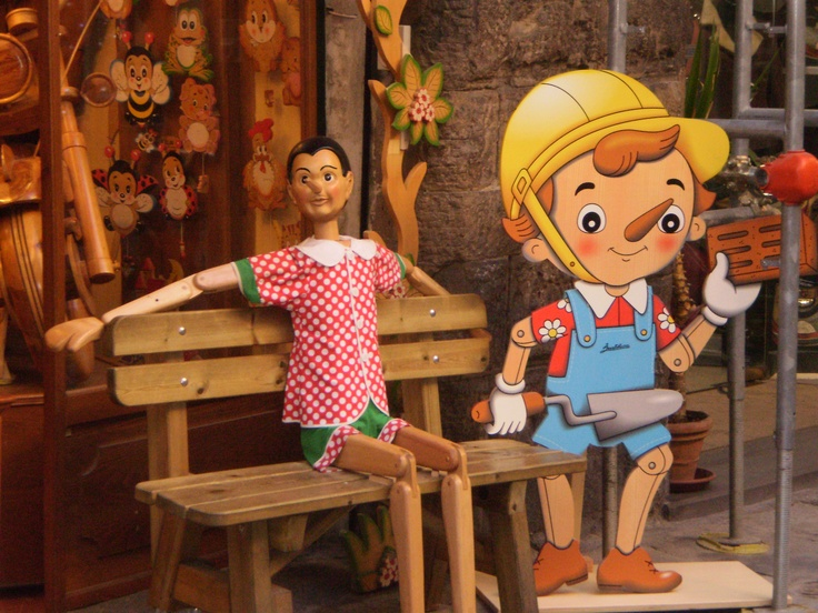 Pinocchio-Themed Shop in Florence http://liliansg.hubpages.com/hub/My-Week-in-Italy-Florence