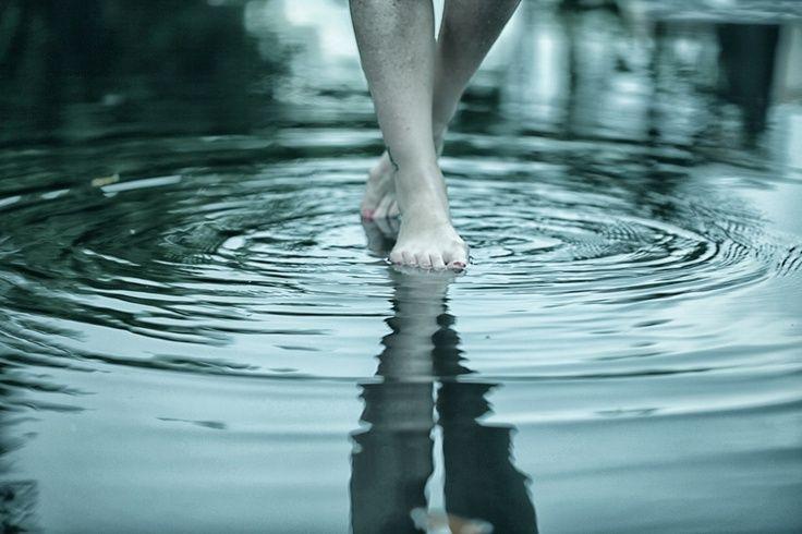 three-rivers-deep_Aurora_walking-on-water