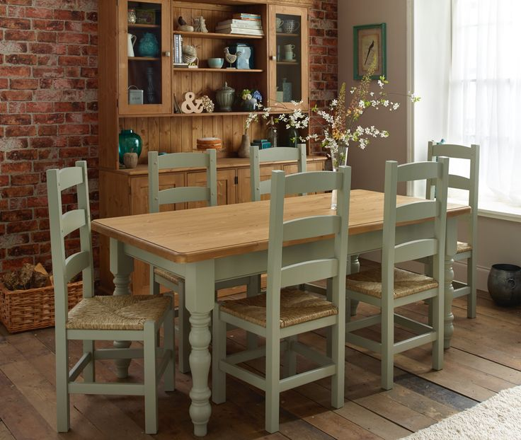 Village Green Avebury Farmhouse Table Painted Ladder Chairs