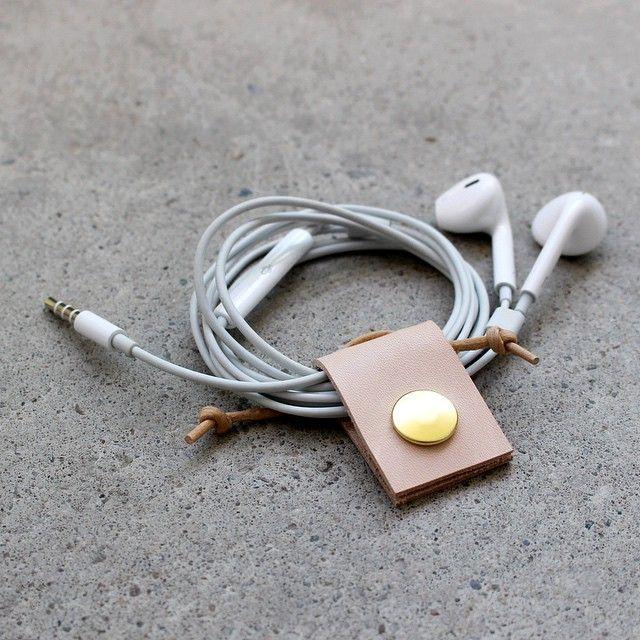 leather headphone organizer