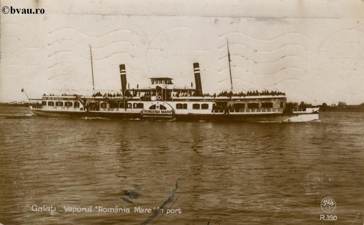 """Vaporul """"România Mare"""" în port, Galati, Romania, anul 1936.  Imagine din colecţiile Bibliotecii Jedeţene """"V.A. Urechia"""" Galaţi."""