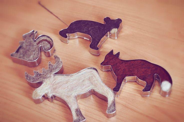 Easy to make felt animals with cookie cutters. Fieltrunguis: Fieltrando bosquecitos tutorial Septiembre 2013