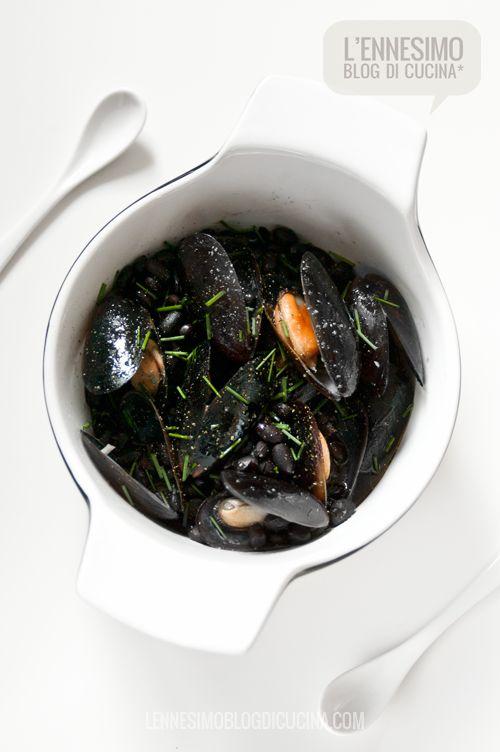zuppa di cozze e fagioli neri con soia e zenzero (mussels & black beans soup with ginger and soy souce) © lennesimoblog