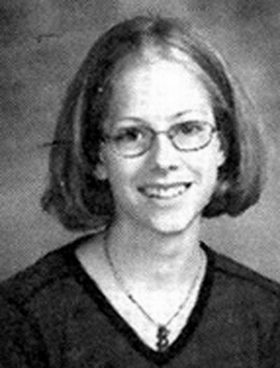 1. Avril Lavigne  Oh my my! A wee bit nerdy but cute nonetheless. Who knew she would turn out to be a rockstar of sorts someday…Before:  After: