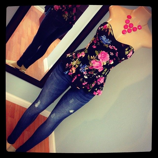 Such a cute outfit! Could even be made more modest for formal occasions by throwing a loose cardigan over it!