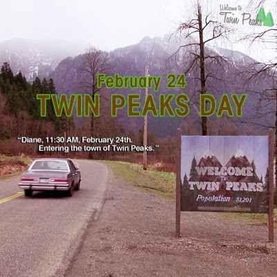 Twin Peaks Day 2017: ritorno al 1989 24 febbraio 1989 - 24 febbraio 2017. Un anniversario, il ventottesimo, quello della morte di Laura Palmer, reginetta della scuola. E un anniversario, sempre il ventottesimo, quello dell'arrivo a Tw #twinpeaks #davidlynch #markfrost #tv