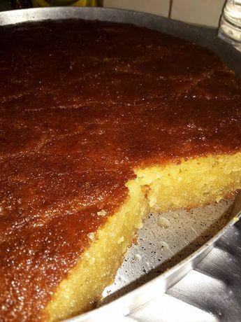Ότι καλύτερο έχω φτιάξει σε σάμαλι. Υλικά 500 γρ σιμιγδάλι χονδρό 500 γιαούρτι 300 ζάχαρη 200 νερό 2 κγ κοφτά σόδα 1 κγ μαστίχα...