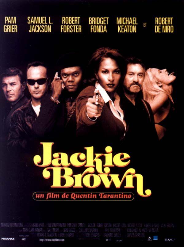 Jackie Brown est un film de Quentin Tarantino avec Pam Grier, Samuel L. Jackson. Synopsis : Jackie Brown, hôtesse de l'air, arrondit ses fins de mois en convoyant de l'argent liquide pour le compte d'un trafiqu