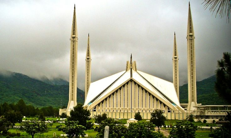 ISLAMABAD - All religious sects will pray and all mosques will call out the Azaan at the same time in the federal capital from May 1, 2015 .  The formal decision was made on Wednesday, at a high level meeting chaired by the Religious Affairs Minister Sardar Mohammad Yousuf. The committee included two clerics from each of the four major sects in the capital- Shia, Barelvi, Deobandi and Ahle Hadith. According to the sources, the major difference in the prayer timings was at Maghrib and the…