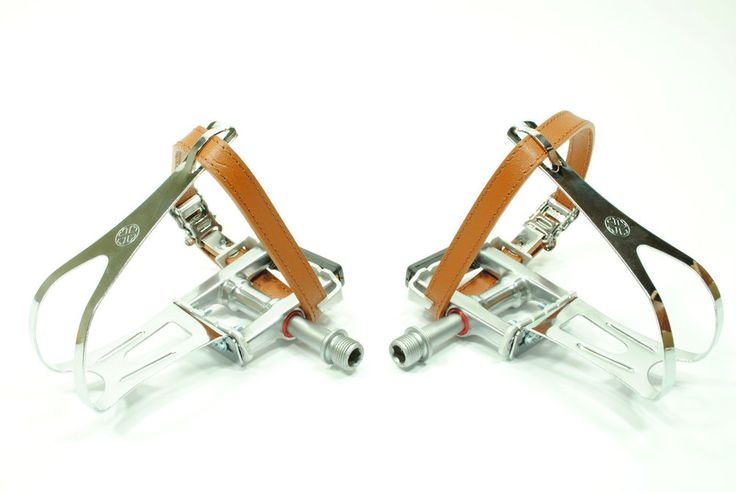 VP VINTAGE BIANCHI FIXIE STYLE ROAD BIKE PEDALS W/ LEATHER STRAPS AND TOE CAGES