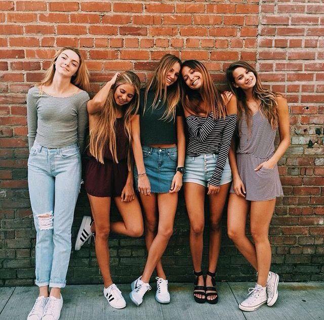 #friends #outfits Pinterest; @su9su