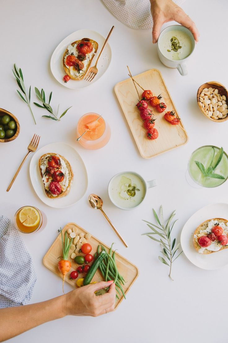 Host a summer fête with these casual dinner party ideas as simple, easy and breezy as those final nights of summer.