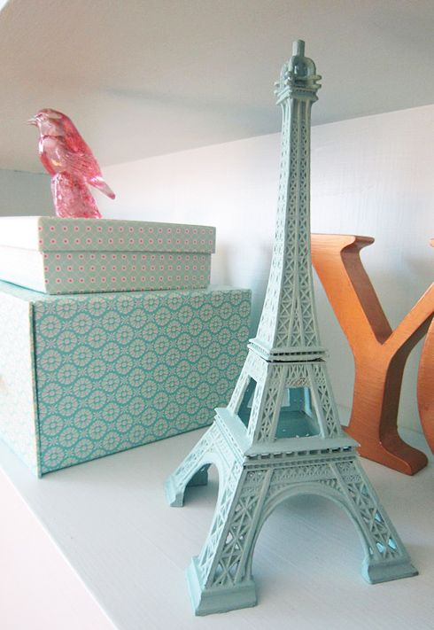 How about some travel inspiration on a shelf in your workspace. The Eiffel tower looks even prettier in mint! #hintofmint