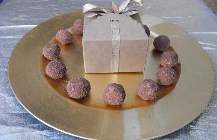 These delicious beautifully packaged truffles come in boxes of 12. 144g per box. – The Perfect Gift