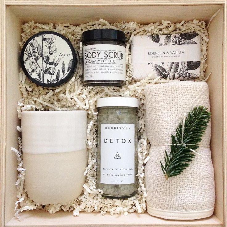 A box of wintery relaxation  with @formulary55 @nordengoods @herbivorebotanicals @foglinenyumiko @figandyarrow by teakandtwine