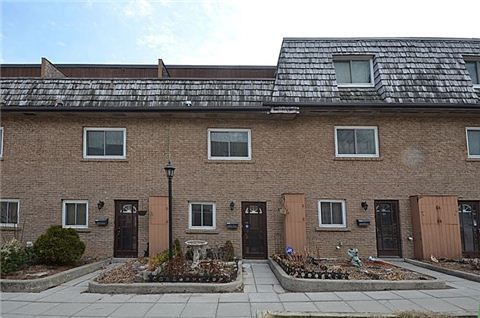 What do you think about this 3 bed townhouse at 4-20 Hainford Street, Toronto I found on http://www.Lilypad.ca for $279,900?
