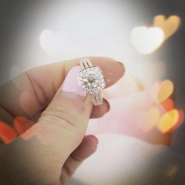 We ❤️ champagne 🍾diamonds 💎 what about you 😍? #champagnediamonds #champagne #customdesign #leskesdiamondssparklemore #leskesjewellersportfairy #portfairy #australianchocolatediamonds