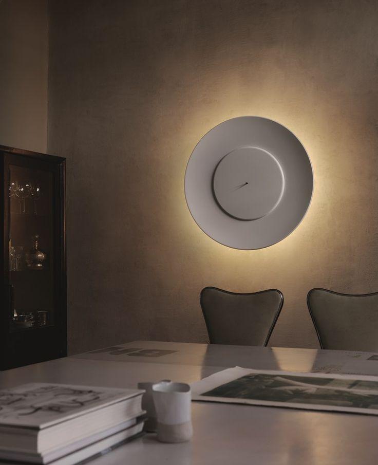 Lampada Da Parete Con Riflettore E Disco In Alluminio LUNAIRE By FontanaArte  | Design Ferreol Babin
