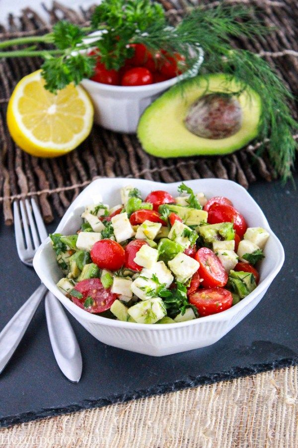 Avocado, Mozzarella & Tomato Salad
