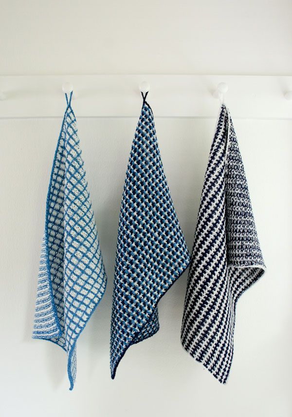 Whits Knits: Slip Stitch Dishtowels // love the linen yarn and simple blue and white colors!