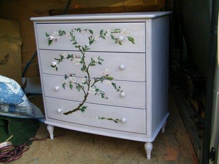 Meuble peint et relooking atelier de l 39 b niste c for Renovation meuble ancien