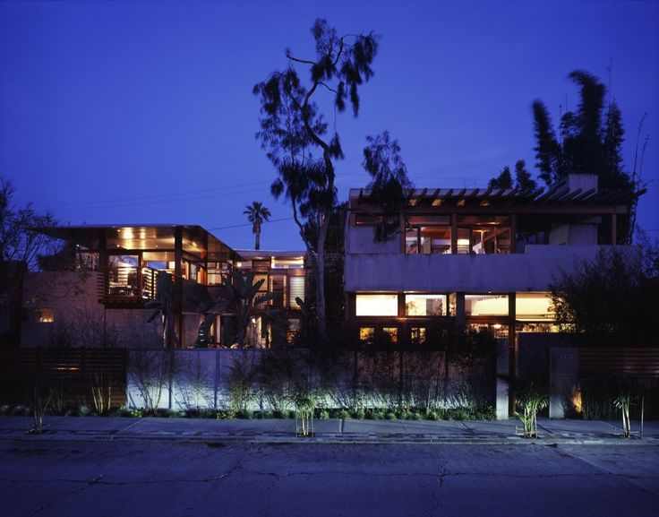McKinley House, Venice, CA. David Hertz Architect, The Studio of Environmental Architecture. The architect worked with Lautner and Gehry and is devoted to sustainability.