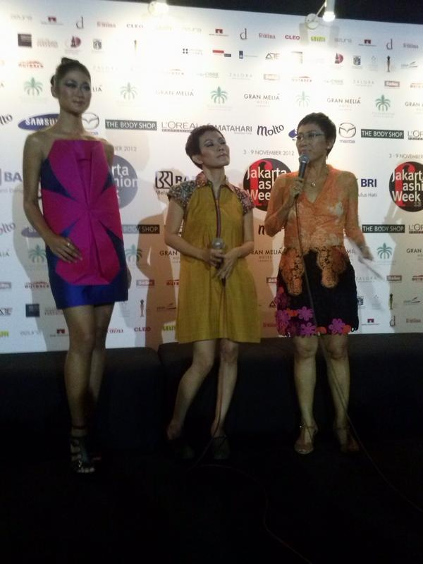 We decided to collaborate with Lenny Agustin , because she loves play with colors ~Suzy Hutomo ( Our CEO)