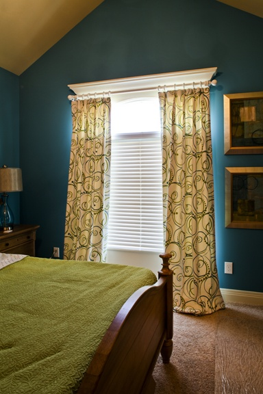 hanging curtains with molding love the color combo of the walls and curtains serious style. Black Bedroom Furniture Sets. Home Design Ideas