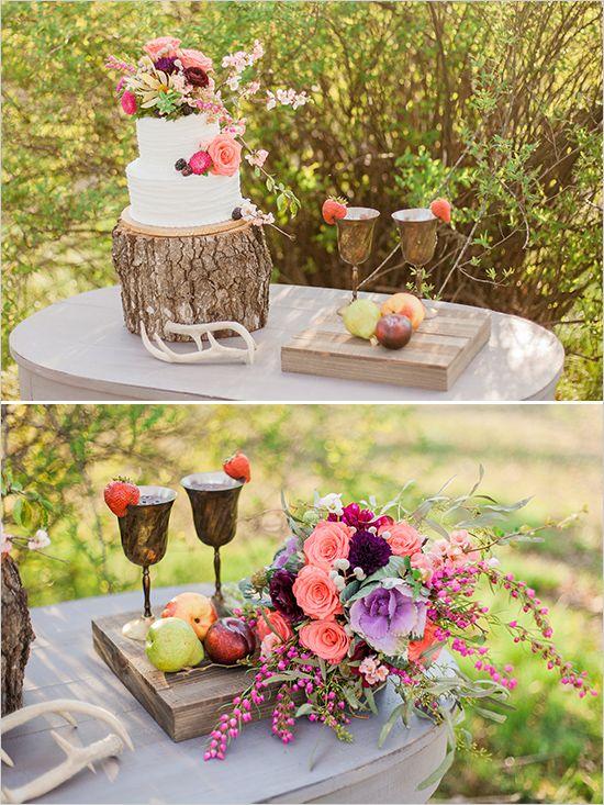 rustic cake table @weddingchicks