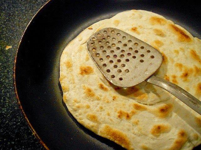 Paratha je indický plochý chleba, který je na stole svých obyvatel každý den. Není to jen obyčejná placka, ale technikou zpracování se ...