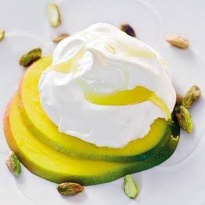 Meringues Met Mango En Pistachenootjes recept | Smulweb.nl