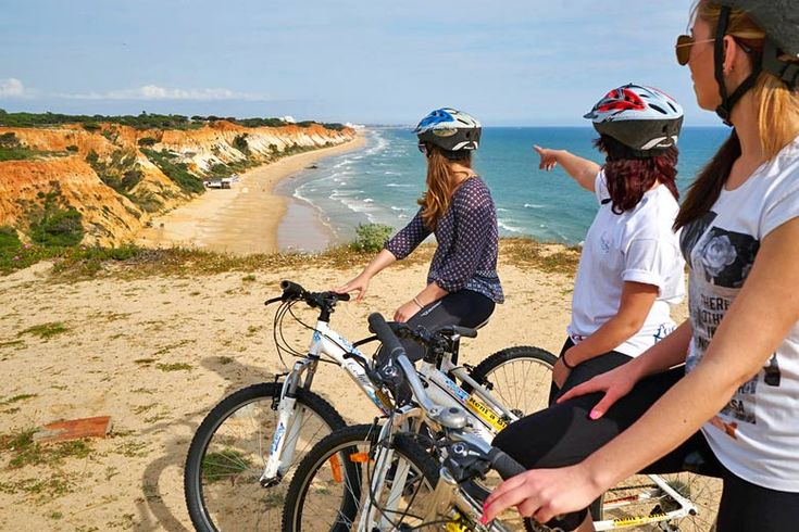 Vilamoura On A Budget: Cheap Things To Do In The #Algarve - via Weather2travel 16.07.2015   Although it's one of Portugal's premier holiday spots, known for its golden beaches, beautiful golf courses, cool nightlife, breathtaking views and Michelin star restaurants, there are plenty of hidden gems that you can experience for free. Photo: Looking back towards Vilamoura © experience Madeira, Algarve, Lisbon & Brazil