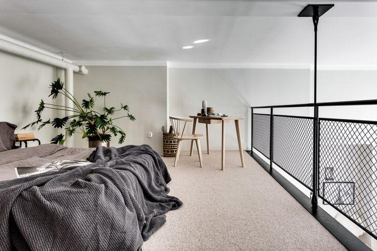 Post: Dormitorio elevado con vistas al comedor --> blog decoración nórdica, decoración comedores, decoracion dormitorios, diseño interior duplex, Dormitorio elevado, estilo nórdico, minipisos