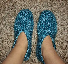 I was just wishing I had my Grandma's slipper pattern - thanks ravelry! This is it! Ravelry: Grandma's Knitted Slippers pattern by Zanne
