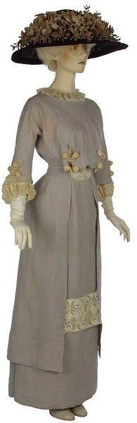V&A 1910 Day dress