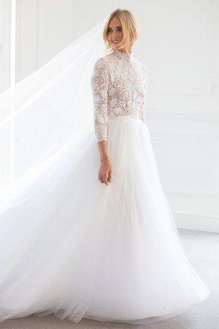 8285a0180e Chiara Ferragni s Wedding Dresses Explained