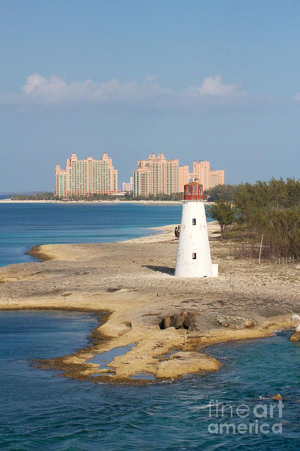 * Paradise Island (Hog Island, Nassau Harbour) 1817. Active; focal plane 21 m (69 ft); flash every 5 s, generally white, but the light changes to red when conditions are dangerous for entry. 19 m (63 ft) round old-style brick tower with lantern and gallery, painted white; lantern painted red.