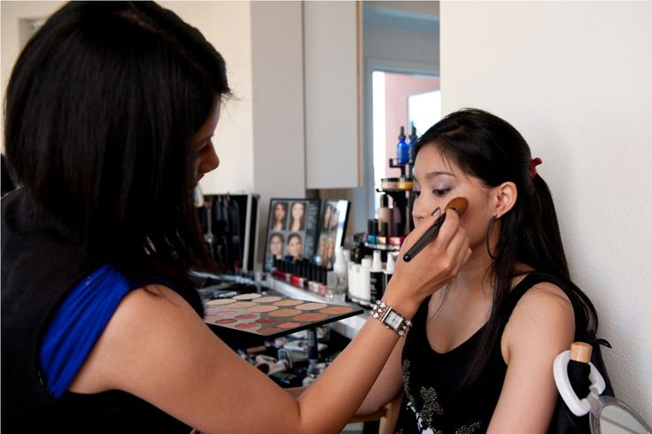 5 Ways to Market Yourself as a Makeup Artist