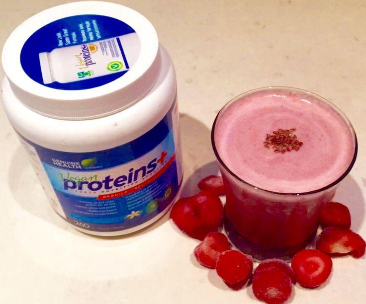 This smoothie taste like strawberry cheese cake. #vegan #vanilla #protein #dairyfree #strawberries #flaxseeds #smoothie