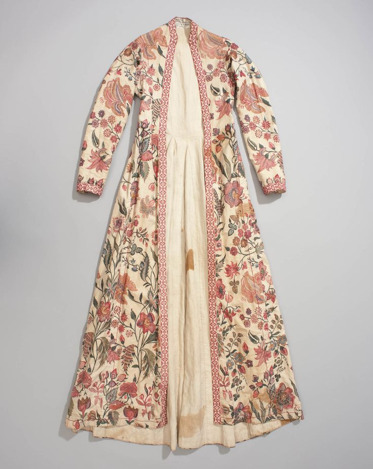 Front of a women's overcoat from Hindeloopen, named 'wentke.'  Made of cotton chintz fabric from India, c. 1740.