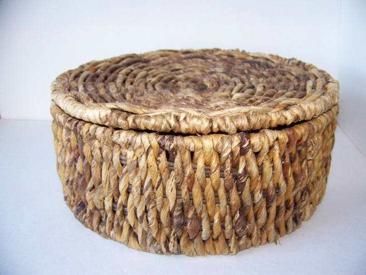 14 best wicker baskets with lids images on pinterest wicker baskets basket and hamper - Round wicker hamper with lid ...