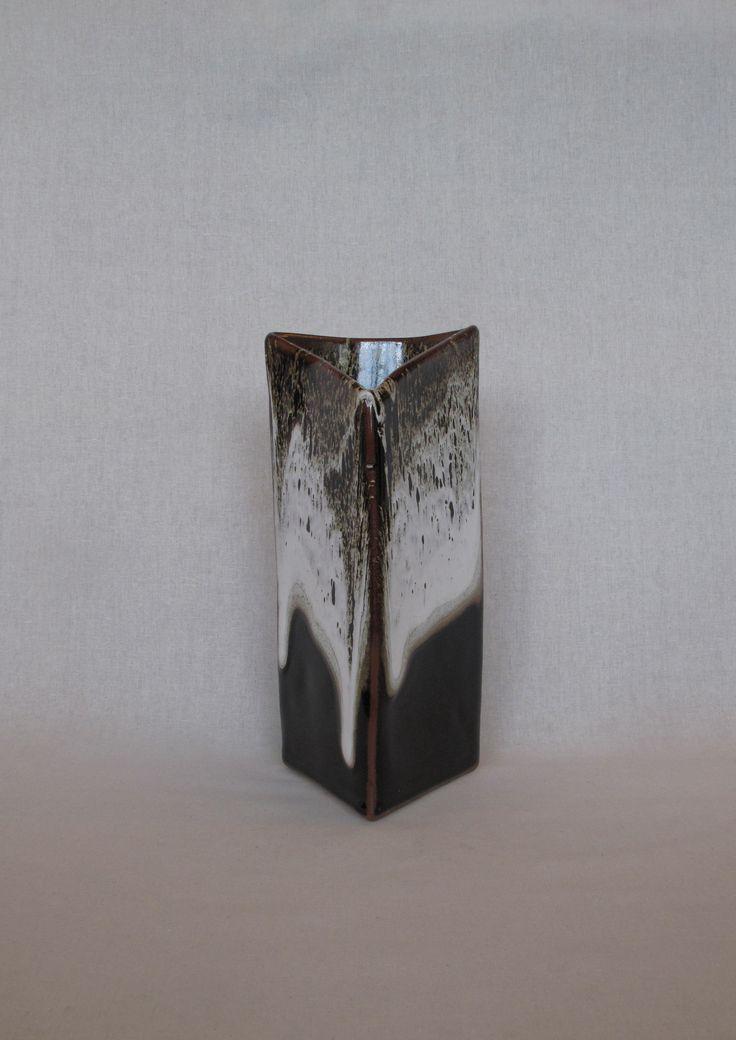 Slab vase with 'leopard' glaze by Janine Flew