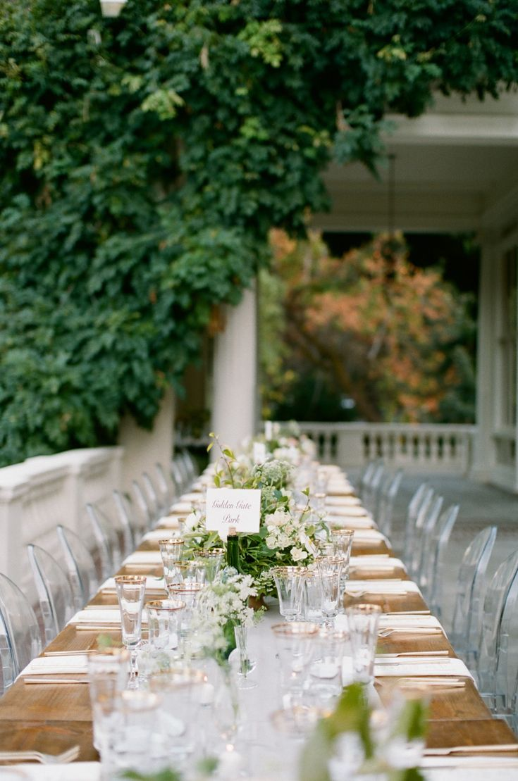 847 best style inspiration romantic images on pinterest bodas la tavola fine linen rental dupionique iridescence silver table runner with nuovo white napkins photography feather and stone venue villa montalvo malvernweather Image collections