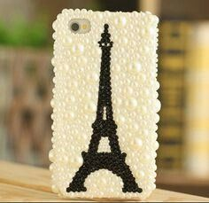White pearls n black diamond gives stunning look d beauty of paris